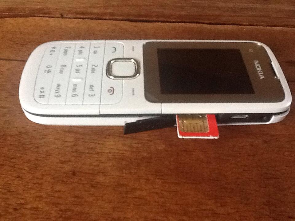 un t l phone pour free mobile le nokia c2 00. Black Bedroom Furniture Sets. Home Design Ideas